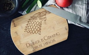 """Dinner is coming"" personalizowana  deska bambusowa"