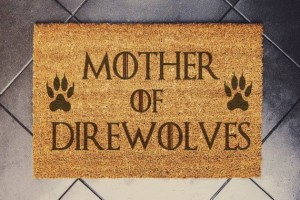 """MOTHER OF DIREWOLVES""  wycieraczka kokosowa"