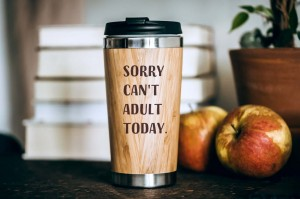 """Sorry Can't Adult Today"" bambusowy kubek termiczny"